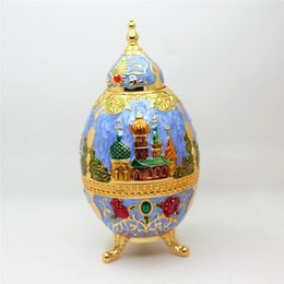 $enCountryForm.capitalKeyWord UK - Wholesale- 2016 New Desgin Russia Castle Painted Metal Automatic Toothpick Holder with Bottle Opener