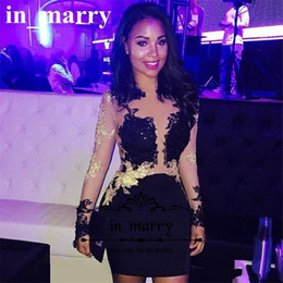 Barato Vestido Preto Vestido Mangas Curtas-Sexy Black Short Cocktail Party Dresses 2017 Illusion Manga comprida Gold Lace Appliques Cheap Celebrity Evening Party Gowns For Women