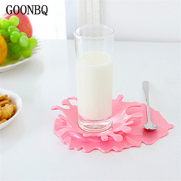 kitchen spoon holders 2019 - Wholesale- GOONBQ 1 pc Spilled Ketchup Holder Plastic Candy Color Kitchen Spoon Holder Creative Home Decor Table Heat Re