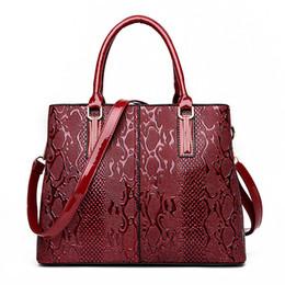 Chinese  pattern handbag lady shoudler bag Elegant PU leather fashion handbag 2017 hot sale for lady and girls manufacturers