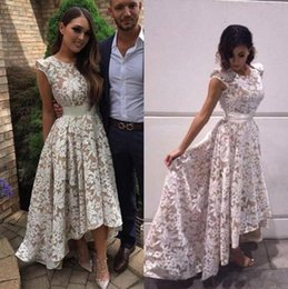 Barato Vestido De Renda Marfim Vintage Marfim-2017 Full Lace Hi-lo Prom Dresses White Ivory A Line Backless Vestidos de noite formais Pingente Red Carpet Dresses Custom Made