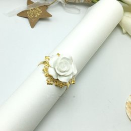 nice romantic flower Canada - Elegant white Rose flower Napkin Rings Gold color Hoops Romantic Nice Looking Hotel Wedding Banquet Table Decoration Accessories