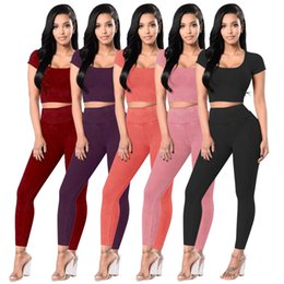 Costumes Femmes Prix Pas Cher-Femmes Summer 2Pcs Tracksuit Sport Suit Short Sleeve Crop Tops Pantalons Pantalons Soft Running Outfit Joga Sets 5 Color Wholesale Price Mix Order