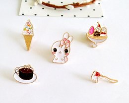 Pastel De Decoración Botón Baratos-Historieta de la manera Lindo Conejo Helado Cake Coffee Metal Broche Pins Pins Jeans Clothes Decoration Girl regalo