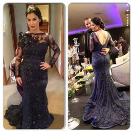 Robes De Club Bleu Foncé Pas Cher-2016 Gorgeous Lace Appliqued Beaded Backless Robes de soirée à manches longues Long Prom Gown Court Train Mermaid Dark Blue Prom Party Gowns