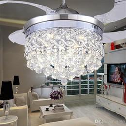 Ventiladores de techo con luz cristalina invisible Lámpara LED moderna de cristal Sala interior Ventiladores de techo Pedal de cristal Control remoto de luz Control en venta