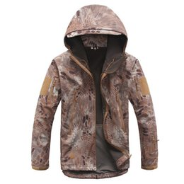 camouflage clothing 2019 - 2017 Shark Skin Soft Shell V4 Military Tactical Jacket Men Waterproof Windproof Warm Coat Camouflage Hooded Camo Army Cl