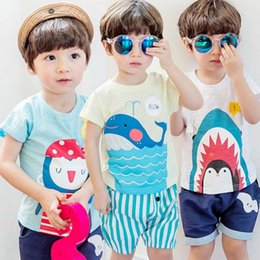 Barato Coreano Miúdos-Cartoon Baby Boys T-shirt Summer Candy Color Short Sleeve Tee Shirts Coreano Fashion Cetacea Penguin Printed Kids Tops C993