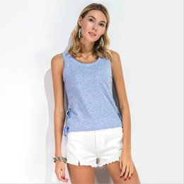 Débardeur Féminin Pas Cher-Split Side Stripe Bandage Ceinture Criss-Cross Rivet Bow Tanks Hollow Out Hole Backless Scoop Neck sans manches Camis Fashion Women Summer Tops