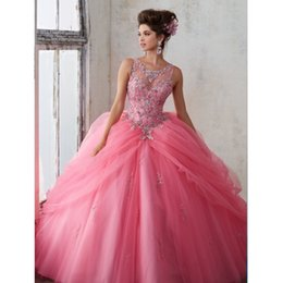 Robes Deboutantes Blinges Pas Cher-Vintage Beading Rhinestones Quinceanera Robes Bling Sheer Jewel Neck Sweet 16 Masquerad Robes de bal Tulle Cristaux Debutante Robe Ragazza