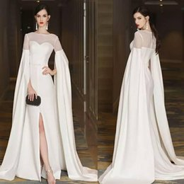 Barato Trem De Fenda De Vestido Branco-Jewel Thigh High Slits A Line Sweep Train Sheer White Elegant Peplum Vestidos de noite Evneing Gown Sexy