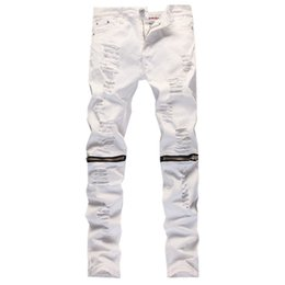 Barato Jeans Destruídos Para Homens-Wholesale-2016 New Male Jeans White Ripped Knee Hole Club Jeans Men Brand Slim Fit Cut Destroyed Torn Jean Calças para Homem Masculino