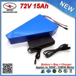 Großhandel Dreieckige Form 72 Volt 1000 W Elektro-Fahrradbatterie 72 V 15 Ah Lithium-Ionen-Batterie mit Batterie-Tasche verwendet 15 A BMS Samsung-Zelle
