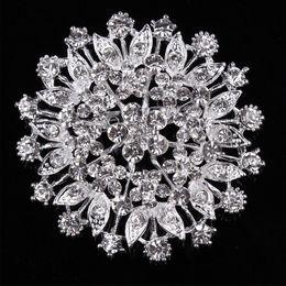 Ingrosso Cristallo grande spilla fiore intarsiato abbigliamento donna gioielli corsage moda selvaggia Dabie pin accessori fibbia sciarpa