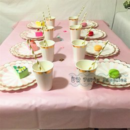 Wholesale-16 Sets Pink Foil Gold Scallop Party Tableware with Table Cover Paper Plates Cups Napkins Drinking Straws Birthday Wedding Favor supplier pink ... & Pink Paper Plates Wholesale Suppliers | Best Pink Paper Plates ...
