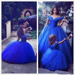 2019 New Blue Cinderella Off Shoulder mother and daughter Ball Gown Prom Dresses Tulle Crystals Little Girls 'Wedding Party Dresses from purple clocks suppliers