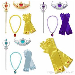 Barato Luvas Princesa Crianças-Xmas Dress Up Party Costume Accessories 4 PCS Gift Set para Princess Belle rapunzel cosplay Tiara crown Wand and Gloves Jewelry Sets kids gif