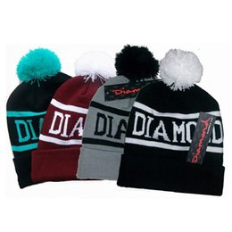 Wholesale 120 DIAMOND Beanie Hat Hip Hop Wool Winter Cotton Knitted Warm Caps Snapback Hats For Man And Women YYA604