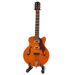 Kreative hölzerne mini instrument elektrische gitarre model dekoration miniaturinstrument guitar spielzeug im Angebot