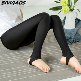 Jambières Punk Blanc Pas Cher-Vente en gros - 2016 New Fashion Women Stretchy Leggings brillantes Spandex Legging Elastic Gothic Foot Leggins Punk Rock Legins Black White Mallas