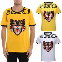 Barato Camisas Superiores Do Gato-Angry Cat Applique T-shirt Men Bordados e 3D Impresso Stretch Algodão Slim Fit Style Moda Tee Usar Top Man Amarelo / Branco M-3XL