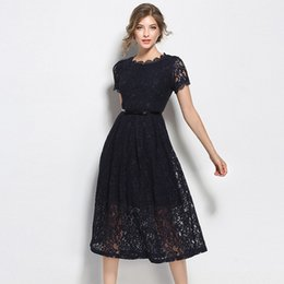 Barato Vestido Curto Grande Elegante-2017 New Women Elegant Party Dress Vestidos Grande Swing Vintage Lace Vestidos Short Sleeve Oco Fora Stitching Slim Fit A Line Dress