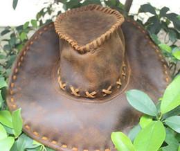 Vente en gros Chapeaux de cowboy occidental de cuir de mode chapeaux de touristes des hommes de chapeau de chapeau de soleil pour le chapeau de performance en plein air de voyage