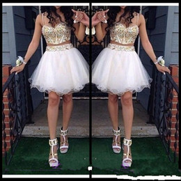 Barato Ouro Vintage De Contas De Ouro-Sexy Two Piece A Line Homecoming Vestidos Com Ouro Beaded Straps Tulle White Short Prom Dress Sweet 16 Gown Cheap Custom Made