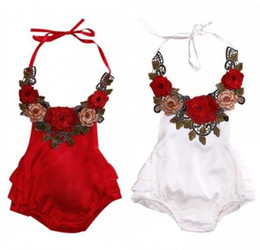 Combinaisons Blanches D'honneur D'été Pas Cher-New Summer Infant Baby Girl Rompers Retro Style Broderie Fleurs Halter Overalls Jumpsuit Toddlers Babies Climb Clothes White Red 13212