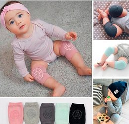 toddler crawling knee pads 2018 - Baby soft Crawling Safety Kneecap Toddler Girls Boys combed cotton Protector with glue Knee Pads Infant Leg Warmer 4colo