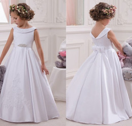 Robe Solide Pour Applique Pas Cher-Hot Flower Girl Dress Blanc A-Line Bow Sash sans manches Solid Scoop Girls First Communion Robe Hot Sale Vestido De Comunion Broderie
