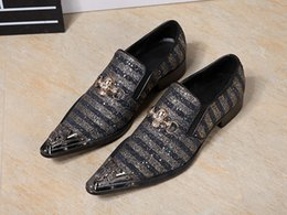 Shoes Pointed Toes Cloth Men NZ - New Fashion 2017 Hair Salon Bling Bling Dress Shoes Men Fashion Sequined Cloth Stripes Dazzling Party Shoes