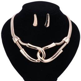 Venta al por mayor de Dubai perlas africanas sistemas de la joyería para las mujeres colgante collar pendientes joyería india de color dorado de la boda accesorios nupciales