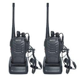 Venta al por mayor de Al por mayor-2pcs Walkie Talkie Radio BaoFeng BF-888S 5W portátil Ham CB Radio de dos vías de mano HF Transceptor Interphone bf-888s