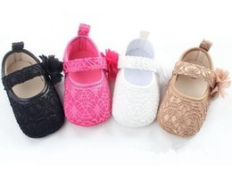Slip Slip Pas Cher-Lace Soft Sole Newborn Chaussures Bébé 2017 Fashion Top Quality Flower Baby Girl Chaussures en dentelle Toddler Prewalker Anti-Slip Baby First Walker 226