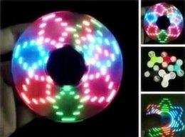 Toptan satış Yeni moda dekompresyon oyuncaklar LED flaş ışığı parlayan parlak parmak uçları gyro galvanik parlak flaş parmak gyro kral