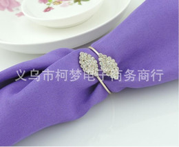Futaba online shopping - Futaba Grass Crystal Rhinestone Gold Napkin Rings Metal Tablecloth Ring For Hotel Wedding Banquet Table Decoration Accessories JF