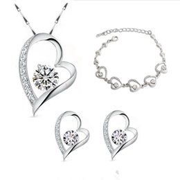 $enCountryForm.capitalKeyWord NZ - High Quality 18K White Gold Plated Clear Crystal Heart Necklace Earrings Bracelet Jewelry Sets for Women Wedding Jewelry Sets Nice Gift