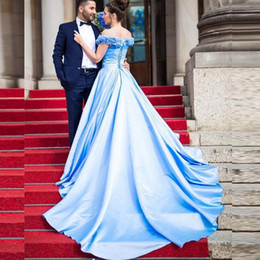 Barato Vestido De Baile Florida-2017 Gorgeous Off the Shoulder Prom Dresses A Line V Neck 3D Ruffled Handmade Flower Corset Back Light Blue Evening Party Gowns