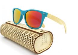1d76ec3175 Venta al por mayor- Envío gratuito Hombres Mujeres Gafas de sol de bambú  Retro Vintage Madera Lente Marco de madera Hecho a mano con gafas de sol ...