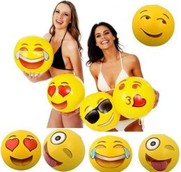 Опт 2017 новые Emoji ПВХ надувные пляжные мячи надувной мяч бассейн на открытом воздухе играть пляж игрушки бесплатная доставка GC23