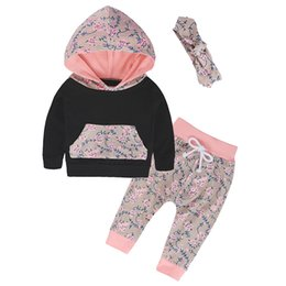 Wholesale Newborn Infant Clothes Autumn Winter Baby Clothing Sets Floral Hooded Tops Pants Headband Girls Outfits Baby Girls Clothes