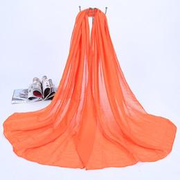 Venta al por mayor de las señoras de color liso bufandas Sun Block Sunscreen Pashmina Beach bufanda del mantón para mujeres de la muchacha multicolor en venta