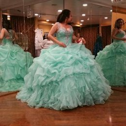Robe De Bal À La Menthe Pas Cher-2017 New Mint Green Plus Size Quinceanera Robes Long Cascading Ruffles Sequins Perles Robes de 15 ans longo Long Prom Prom Dresses