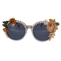 Resin Baroque Frames Canada - Baroque Sun Glasses Round Full Frame Vintage Flower Eyewear Outdoor Summer Style Beach Eyeglasses Full Frame Women Fahion Pearl Sunglasses