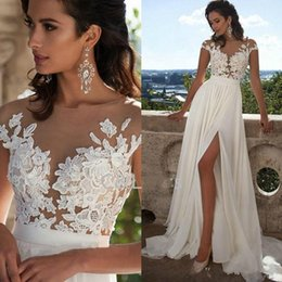 Aline Beach Wedding Dresses Pas Cher-2017 Nouveautés Cheap Fashion Elegant Lace Long Beach Robes de mariée Sexy Sheer Neck Thigh-High Slits Aline sans manches Robes de mariée