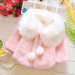 Barato Loja Outwear-Trendy Girls Winter Fur Coat com lã 2017 Pom Decorated Winter Outwear para crianças Boutique Kids Clothes