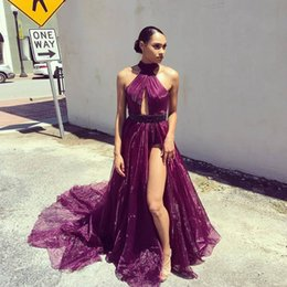 Barato Halter Neck Dress Split-Purple Organza Split Long Prom Dresses High Neck Halter Sequins Beaded Faces Backless Vestidos de noite Com Side Slit Sweep Train