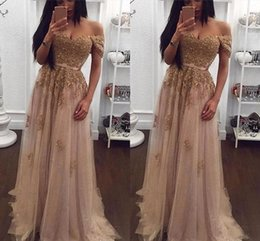 Barato Vestido, Forro, Champanhe-Champagne Aribic Prom Dresses Long Off the Shoulder Tulle Vinatge Evening Gown A-Line Pavimento Comprimento Formal Party Vestidos Barato