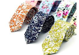 Venta al por mayor de nuevos lazos superiores florales manera del algodón de Paisley corbatas para trajes de hombre Corbatas delgado Vestidos del partido corbata Lazos antiguas impreso Gravatas